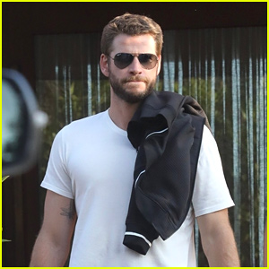 Liam Hemsworth Channels 'Men In Black' For Malibu Lunch