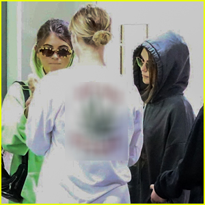 Olivia Jade & Sister Bella Giannulli Make Low Key Arrival For Mani & Pedi Appointment