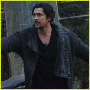 Bob Morley Directs Tonight's Episode of 'The 100'