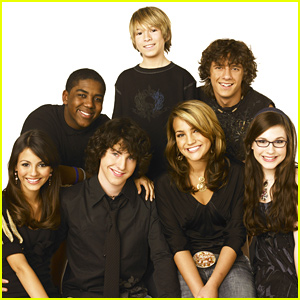 'Zoey 101' Cast Reunite Days After Reboot Rumors, Jamie Lynn Spears Misses FaceTime Call!