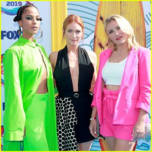 Emily Osment Is Pretty in Pink at Teen Choice Awards 2019!
