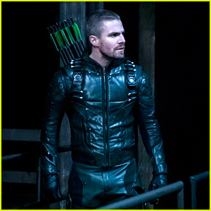 Stephen Amell Really Wants To Take This Item From The 'Arrow' Set After The Series Finale