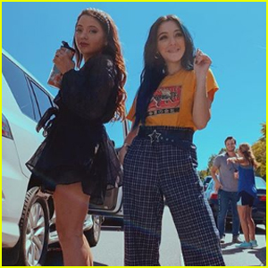 Niki & Gabi DeMartino Turn a Traffic Jam Into a Photo Shoot!