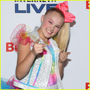 JoJo Siwa Kicks Off the Christmas Season a Little Early
