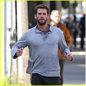 Liam Hemsworth Runs Down the Street for 'Dodge & Miles' Scene