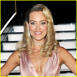 'Dancing With The Stars' Pro Peta Murgatroyd Officially Becomes US Citizen!