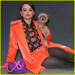 Joey King Had a Glam Phoot Shoot with Her Dog & We're Obsessed!