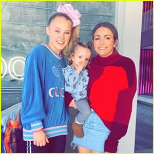 JoJo Siwa Ran Into Another Famous Nickelodeon Star in LA!