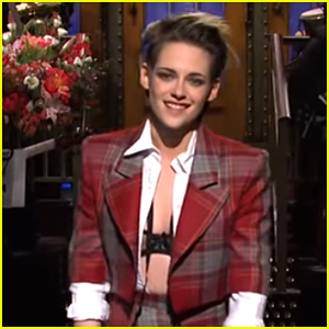Kristen Stewart Asks the Crowd Questions on 'Saturday Night Live' - Watch!