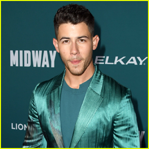 Nick Jonas Looks So Cool at the 'Midway' Premiere!