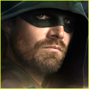 Stephen Amell Bows Out As Oliver Queen & Green Arrow as Arrow Films Its' Final Scene