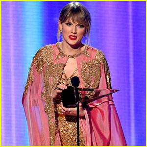Taylor Swift Wins Six AMAs in 2019 to Break the All-Time Record!