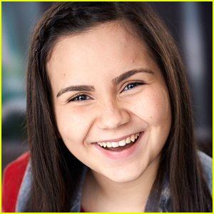 'Diary of a Future President' Actress Carmina Garay Knows a Song From Every Disney Movie!