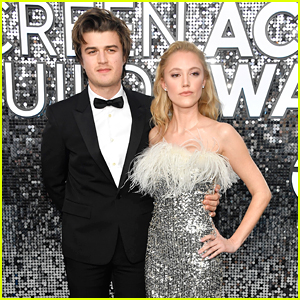 Joe Keery & Maika Monroe Couple Up For SAG Awards 2020