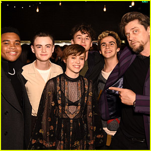 The Stars of 'It' Reunite to Support Sophia Lillis!