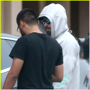 Zac Efron's Car Breaks Down While Out in Beverly Hills!