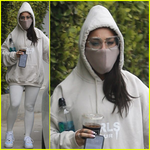 Ariana Grande Leaves the Gym in a Face Mask