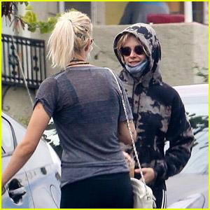 Kristen Stewart & Girlfriend Dylan Meyer Are Matching on Their Coffee Run!