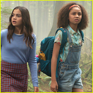 Siena Agudong & Izabela Rose Head To Magic School In New 'Upside-Down Magic' Teaser
