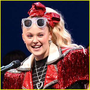 JoJo Siwa Introduces Fans to Her New Boyfriend Mark Bontempo