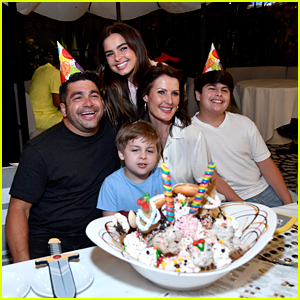Addison Rae Celebrates Brother Lucas' Birthday at Sugar Factory!