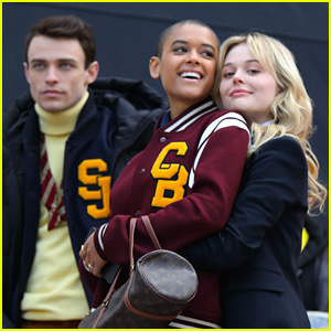Emily Alyn Lind Hugs Jordan Alexander on 'Gossip Girl' Set - New Pics!