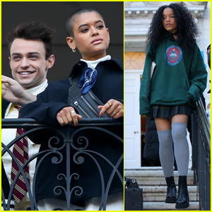 Thomas Doherty, Jordan Alexander, & More Film 'Gossip Girl' All Around in NYC