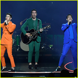 Jonas Brothers Performing Virtual Concert TONIGHT - How To Watch!