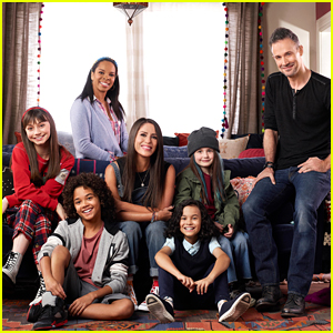'Punky Brewster' Reboot Gets Peacock Premiere Date & First Look Cast Photo!