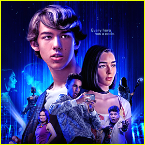 Indiana Massara & Chris Carpenter Star In New Movie 'Hero Mode' - Watch the Trailer!
