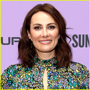 Laura Benanti Teases The 'Gossip Girl' Revival Series Will Be 'Juicy'