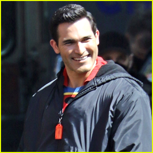 Tyler Hoechlin's Superman Suit Looks Very Different In New 'Superman & Lois' Set Photos