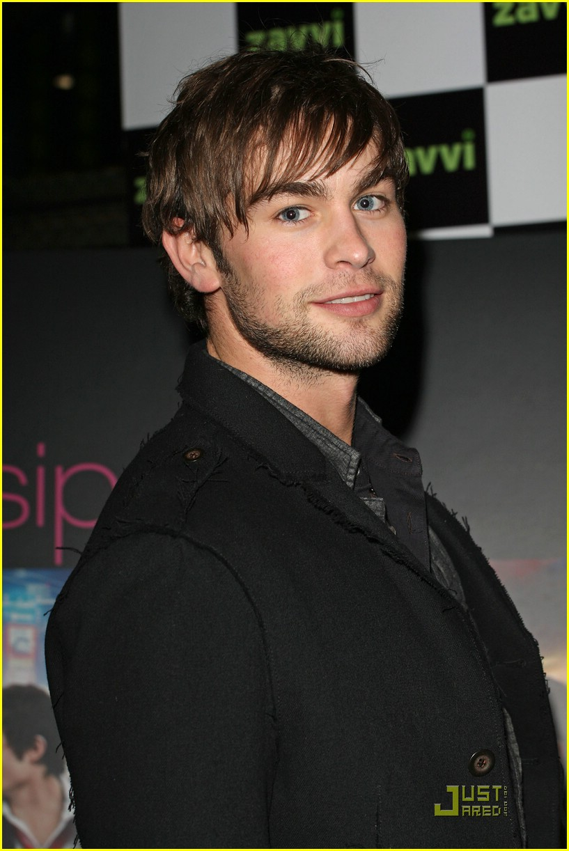 chace crawford oxford street lights 02
