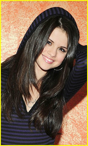 selena gomez stripes sweet 07