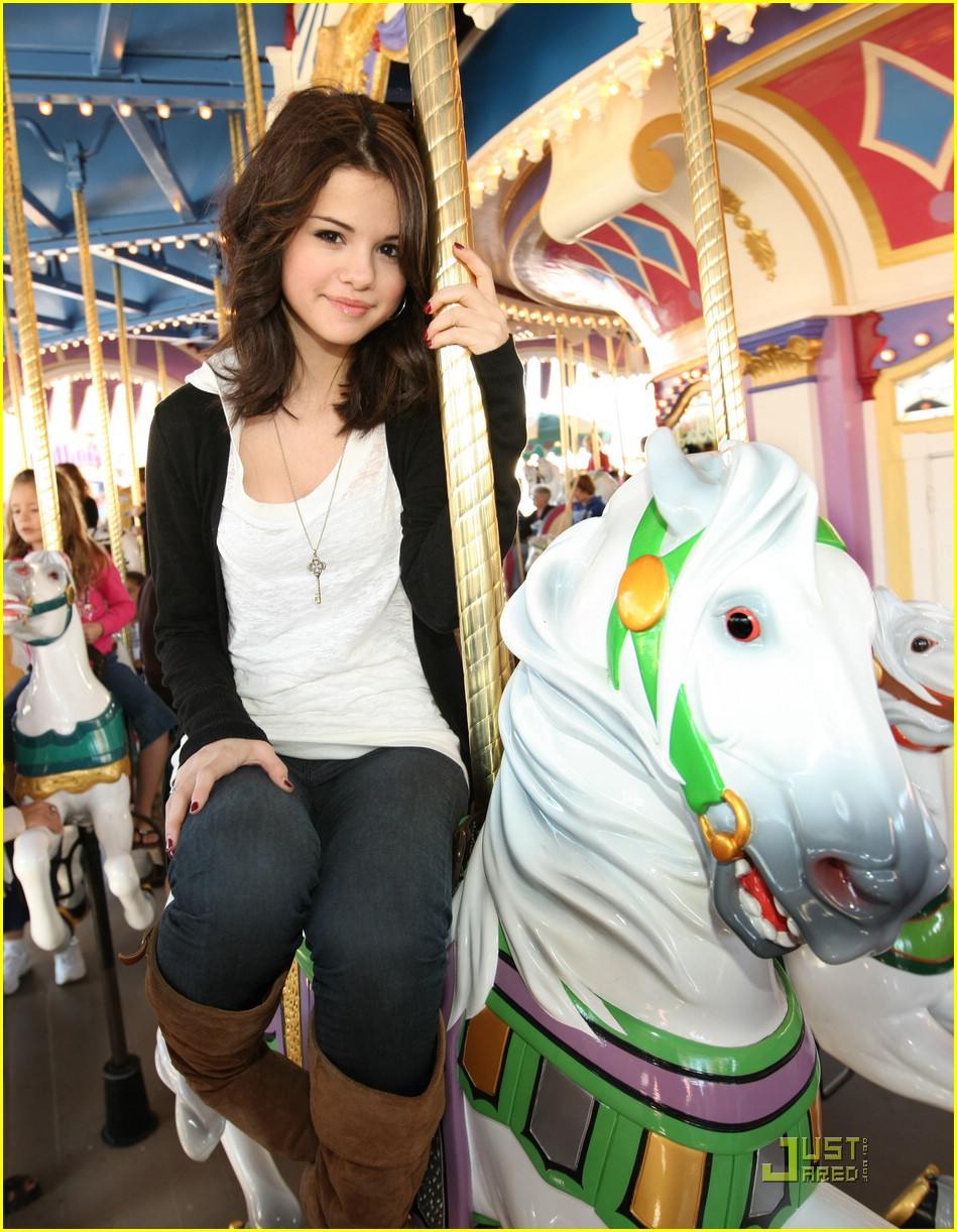 selena gomez royal ride 02