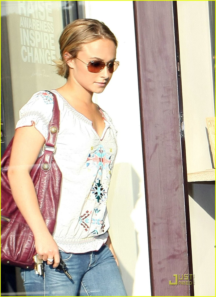 hayden panettiere chrys shop 04