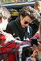 Jobros-blackfriday jonas brothers signing book 14