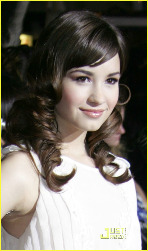 demi lovato twilight premiere 03