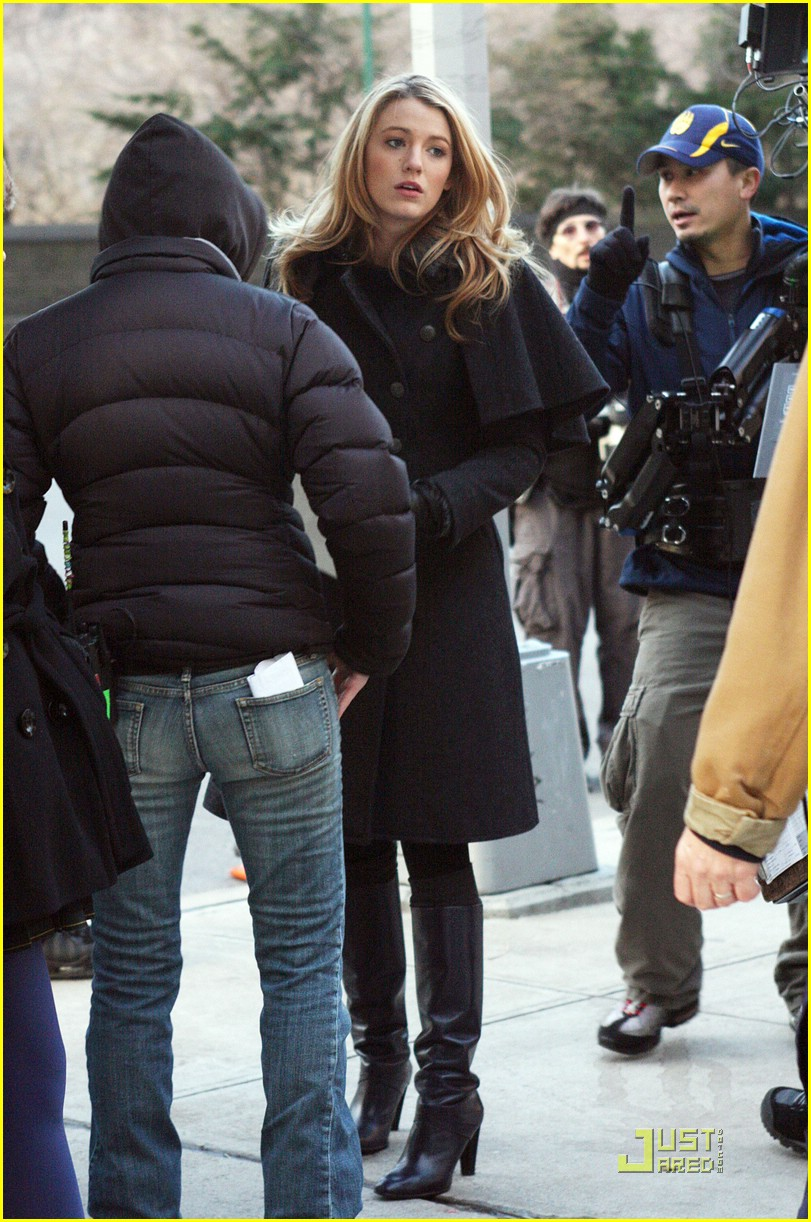 blake lively penn badgley gg set 20