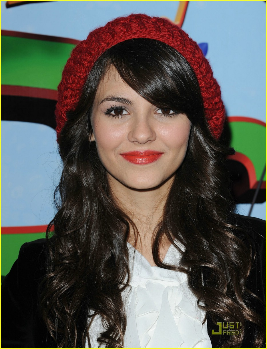 victoria justice premire merry 03