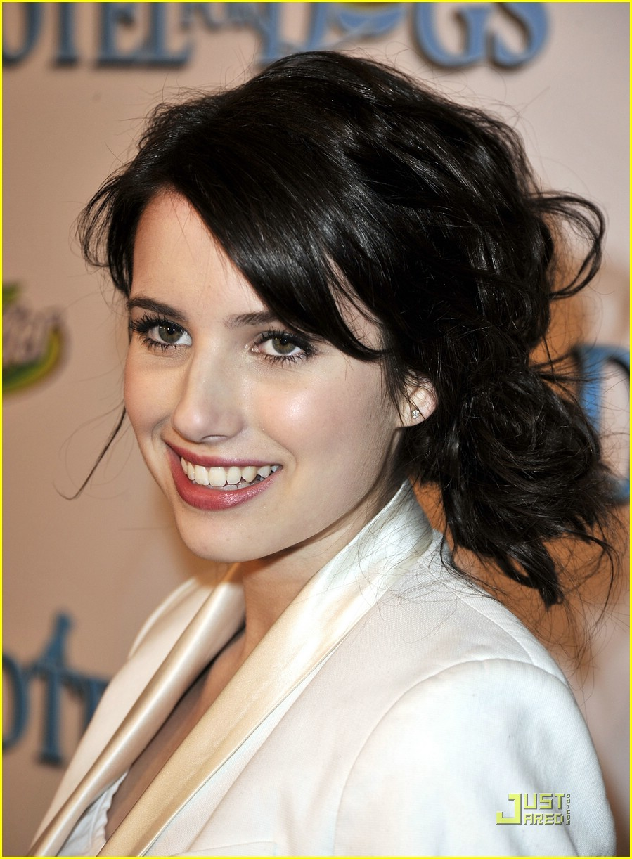 emma roberts hotel dogs premiere 21
