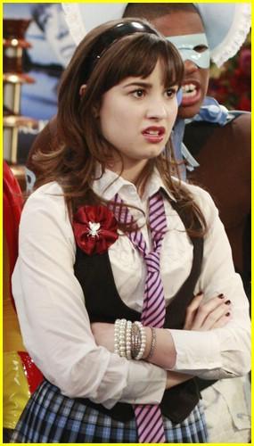 Demi Lovato & Sterling Knight Get Googley Eyed | Photo ...