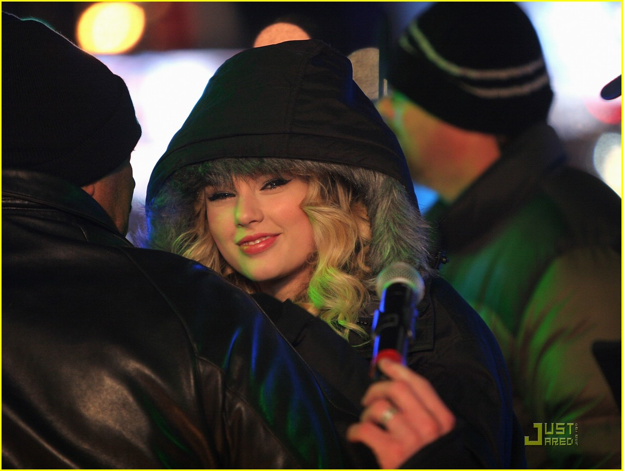 taylor swift new year eve 27