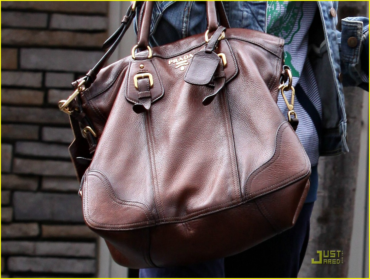 ashley tisdale prada purse 08
