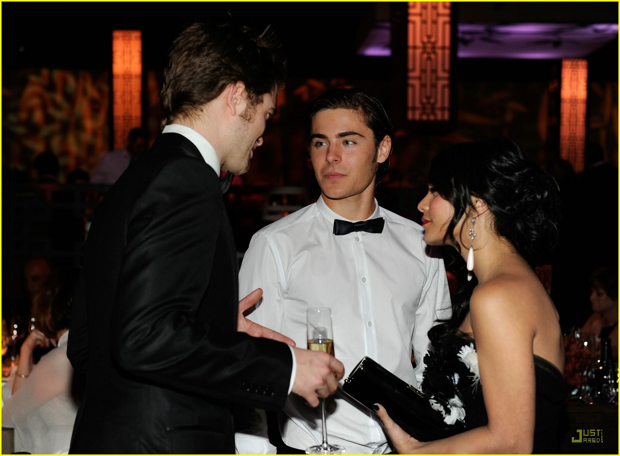 zac efron vanessa hudgens vanity fair party 07