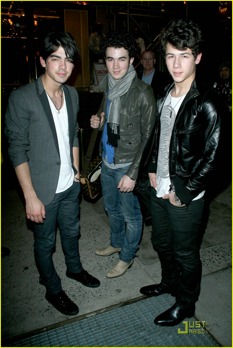 jonas brothers manhattan hotel 11