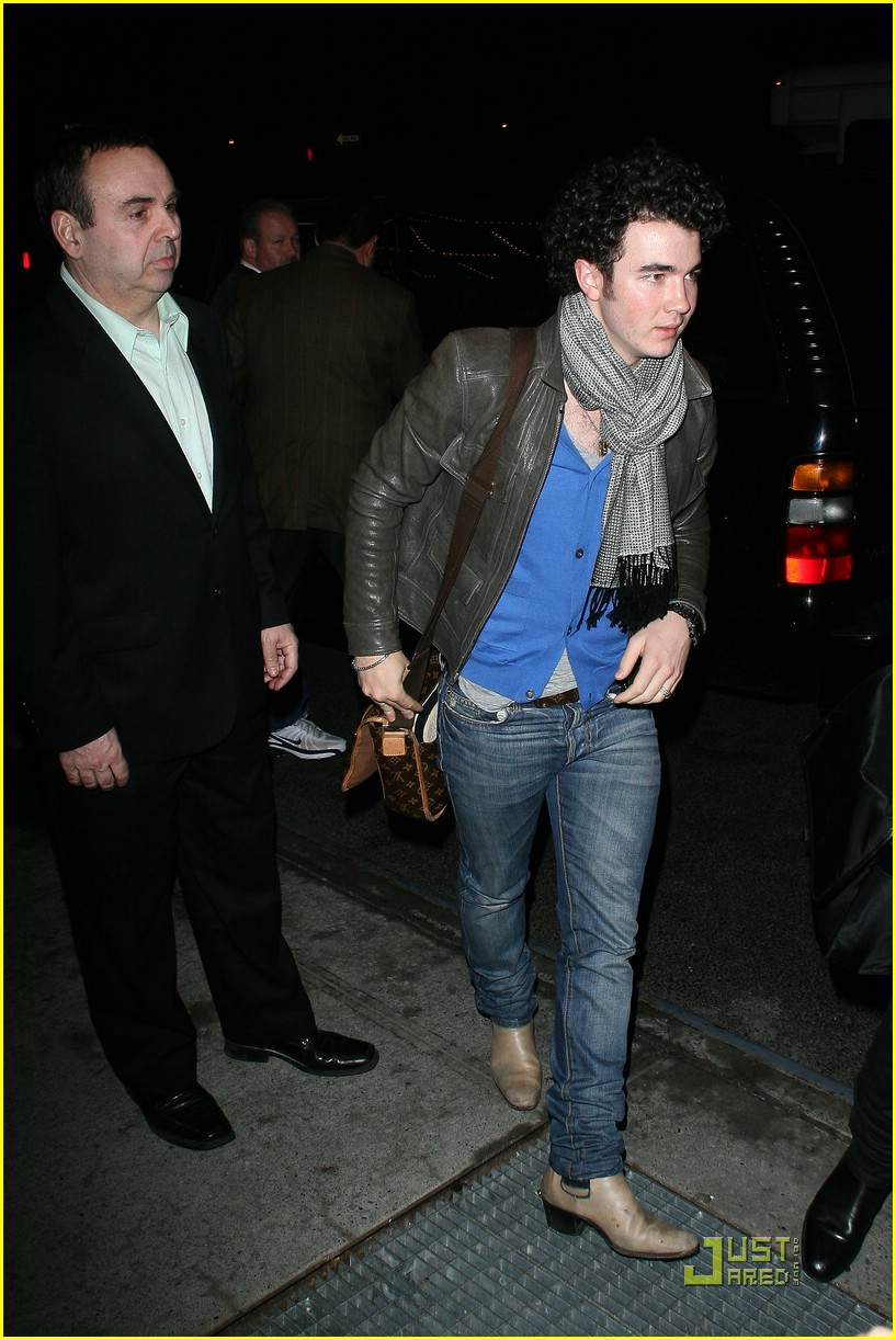 jonas brothers manhattan hotel 14