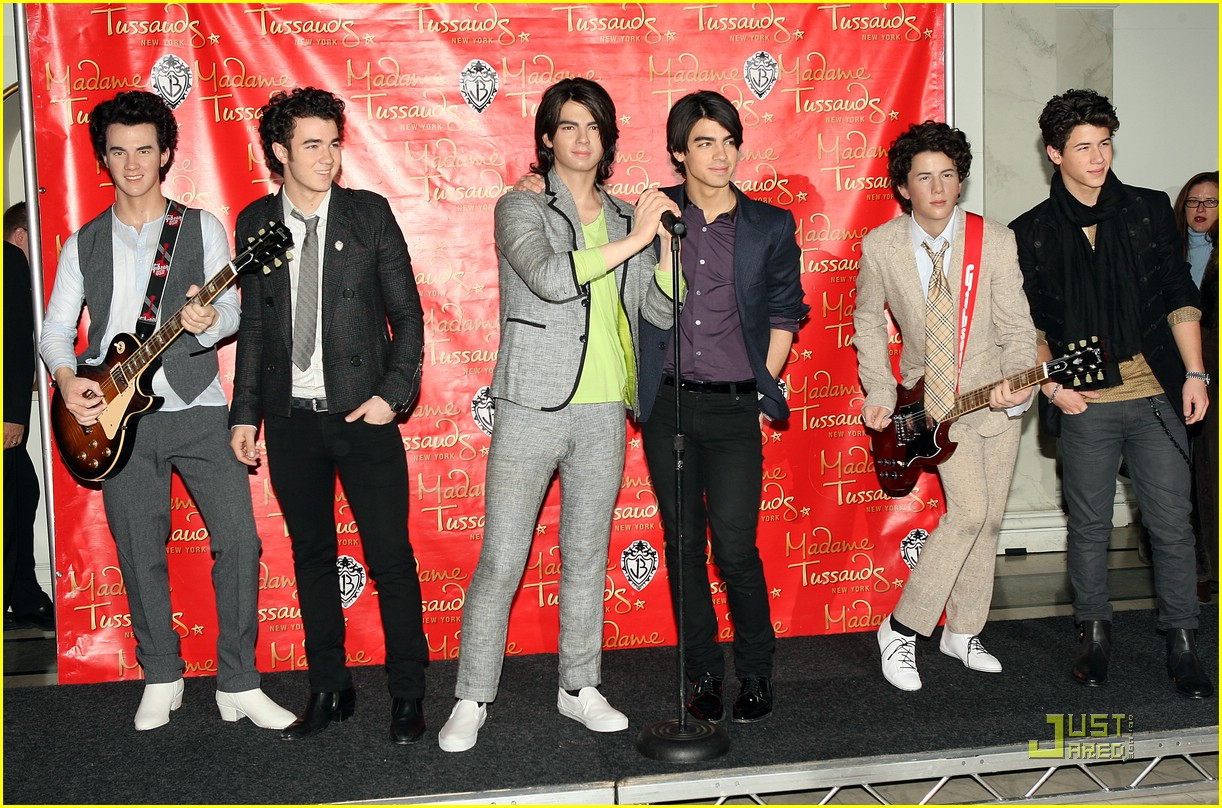 jonas brothers madame tussauds 32