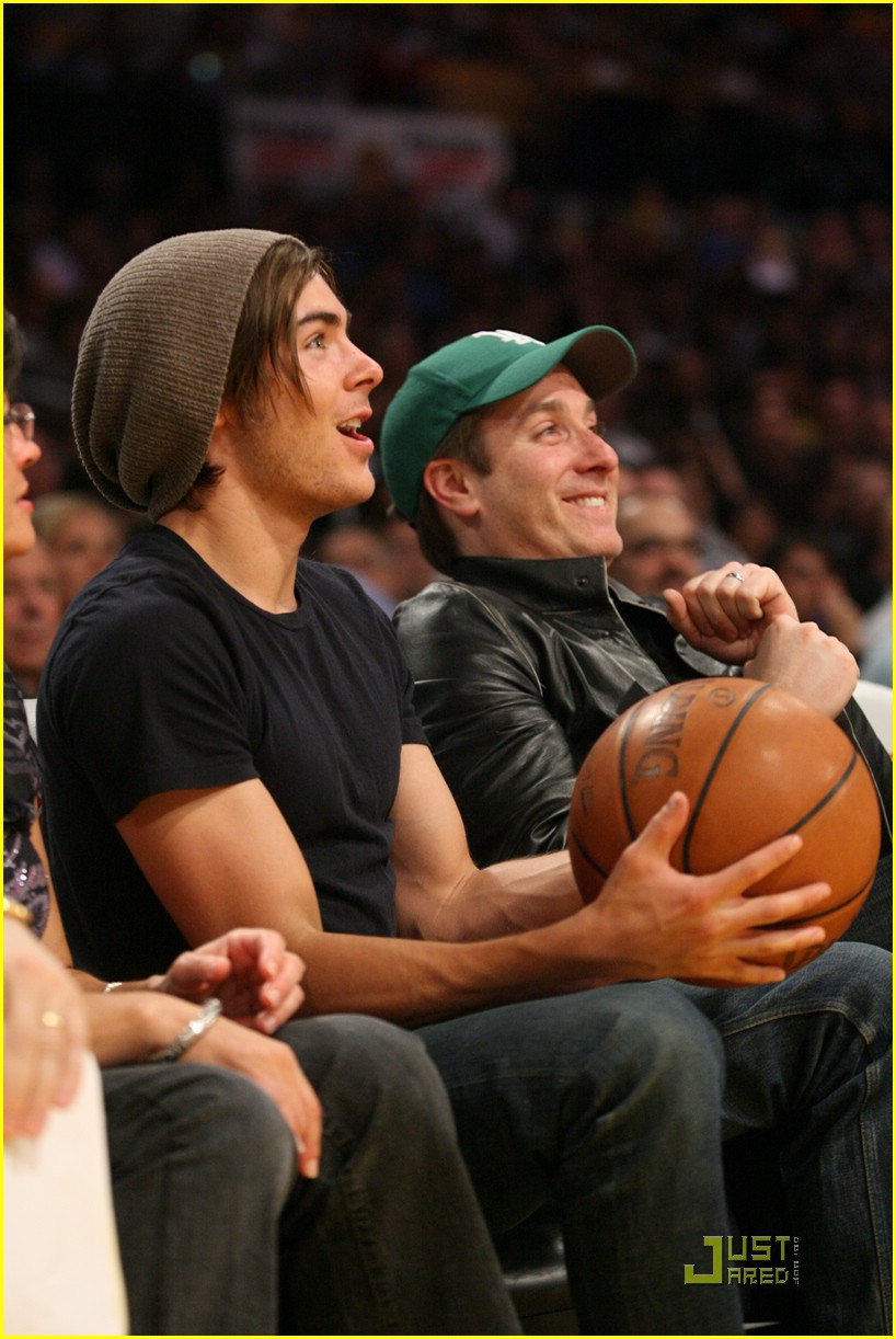 zac efron la lakers game 09