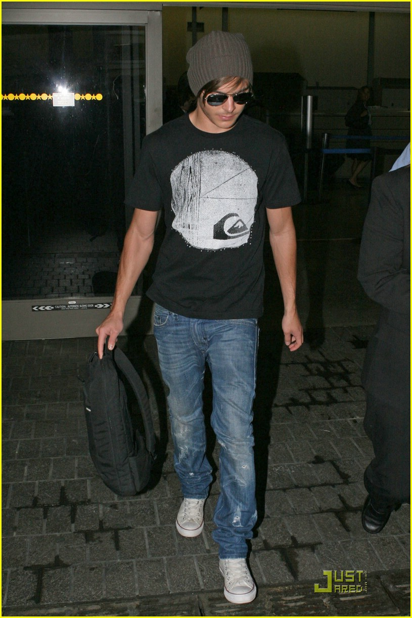 zac efron back in la 06